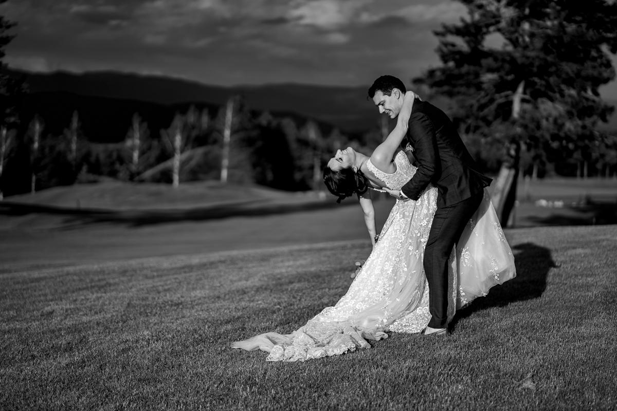 Различна сватба | The Art Studio